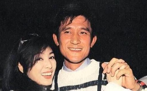 兩女共侍一夫,揭秘娛樂圈超毀三觀的10大明星戀情