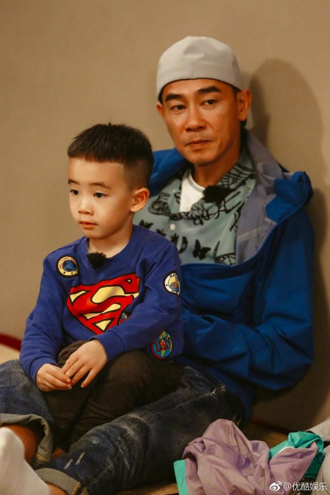 陳小春和小小春萌照來襲 父子倆超有愛(多圖)
