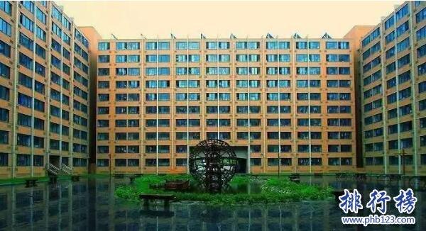 亞洲最大宿舍樓:常迷路 女生3月不出樓(圖)