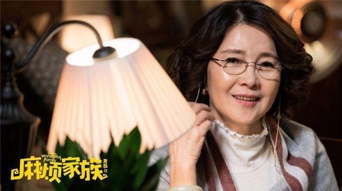 李小璐正糾纏不清,又網曝她媽戀上70歲美國富翁?(多圖)