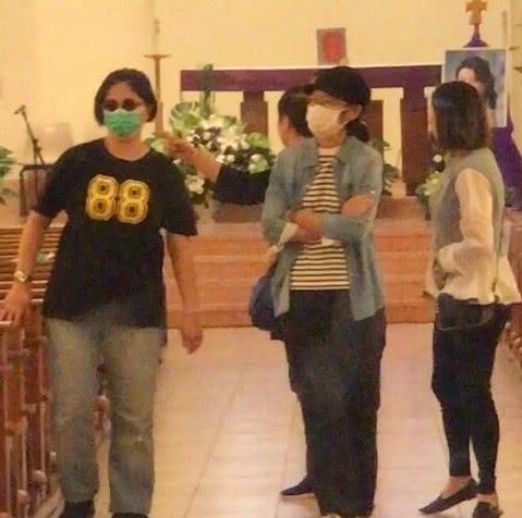 蓝洁瑛追思会现怪事:黑蝴蝶飞进教堂,大蛇频繁出现在座位下