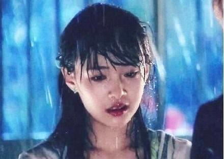 想要知道明星颜值多高,只要一场大雨就可以了,网友:优秀!