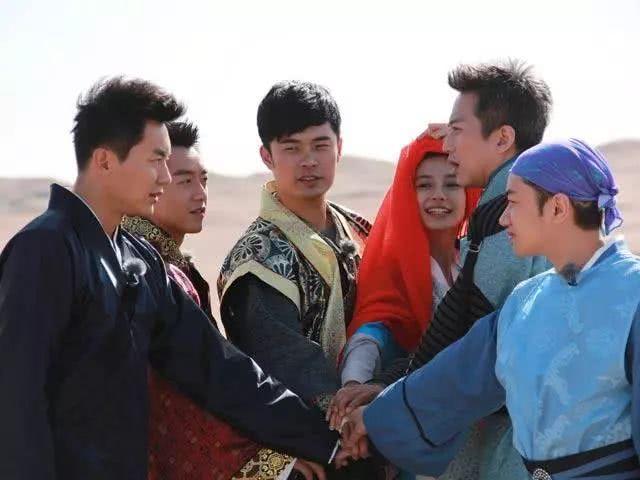 退出《跑男》的四人在干嘛,邓超意料之中,鹿晗最让人摸不透