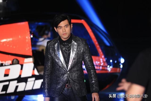 《中国好声音》官微发布定档,导师周杰伦退出,没想到他竟然加盟