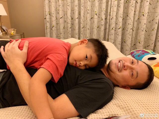 沙溢陪儿子去老师家学习受到委屈,网友:好惨一老父亲呀