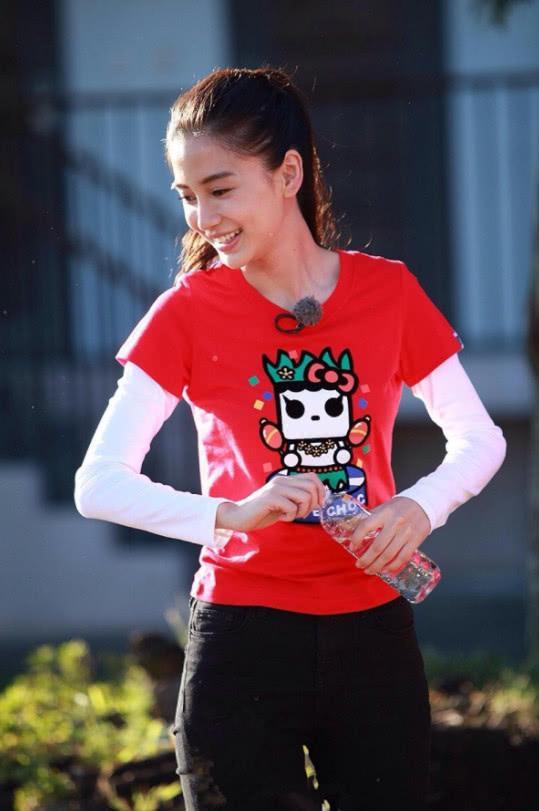 杨颖被问最想让谁回归跑男,她下意识说出了2个字,网友:泪目!