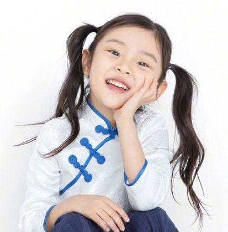 """有一种""""整容""""叫甜馨,女汉子变成淑女,如今7岁美到认不出"""