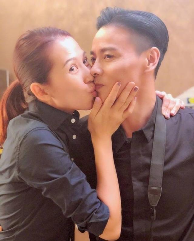 蔡少芬张晋宣布怀孕三胎,夫妻搞怪互动内容超甜
