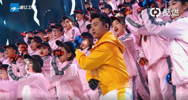 《奔跑吧》郑恺成隐藏全能艺人,唱歌跳舞搞笑统统不在话下