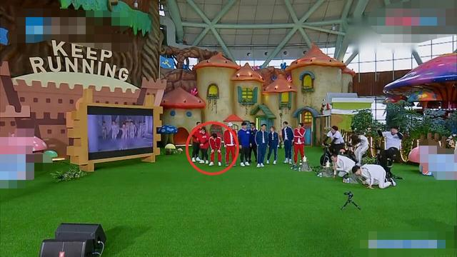 李晨单身后综艺首播,现场频繁出错,让郑恺、杨颖都侧目