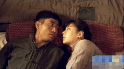 """原来""""睡觉戏""""是这么拍的,看到演员的表情,才知道什么是演技"""